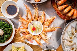 【台中·東區】西海岸活蝦料理 結實彈牙蝦肉好甜,吃活蝦料理就是要到西海岸!
