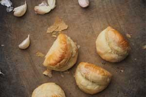 【彰化】帢米德專業烘焙|招牌蒜頭酥還有童趣小蛋珠?堅持不加膨脹劑,採用高品質原物料!